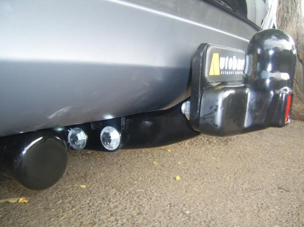 baseplate-detachable-towbars
